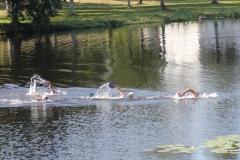 Swimrun osallistujat Asemanlammessa